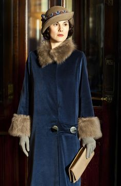 Fashion Ideas For Chubby Downton Abbey series 5 Michelle Dockery dresses up to the nines as Lady Mary Crawley Lady Mary Crawley, Downton Abbey Costumes, Downton Abbey Fashion, 20s Fashion, Look Fashion, Female Fashion, Fashion Ideas, Dame Mary, Downton Abbey Series