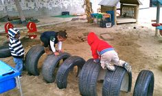 Exploring the Outdoor Classroom: Outdoor Classroom-Fun with Tires – Natural Playground İdeas Toddler Playground, Preschool Playground, Natural Playground, Outdoor Playground, Playground Ideas, Outdoor Learning Spaces, Kids Outdoor Play, Outdoor Fun, Outdoor School