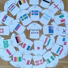 Im Juni startet die Fußball-WM in Russland. Zeit für mich, einige Fußball-Materialien upzudaten und neu zu erstellen. Als erstes habe ich letzte Woche kleine Dekotrikots mit den Landesflaggen der jeweiligen Mannschaften erstellt. Diese werde ich dann an einer Leine im Klassenzimmer aufhängen. Wer die Trikots ebenfalls brauchen kann, findet sie seit heute als Download auf dem Blog (Link in Bio). ⚽   #ideenreiseblog#ideenreise #grundschullehrerin #grundschule#grundschulunterricht#grundschula