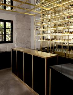 The Liquides Perfume Bar in Marais, Paris @Yatzer / http://www.yatzer.com/liquides-bar-a-parfums