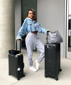 See Kendall jenner outfits, Jenners y Celebrities design and style. Lazy Day Outfits, Chill Outfits, Sporty Outfits, Swag Outfits, Mode Outfits, College Outfits, Spring Outfits, Fashion Outfits, Airport Outfits