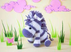 Roxy's Crochet Kawaii Crochet, Kawaii Diy, Beginner Crochet Projects, Crochet For Beginners, Unique Crochet, Free Crochet, Yarn Tail, Knitted Dolls, Crochet Dolls