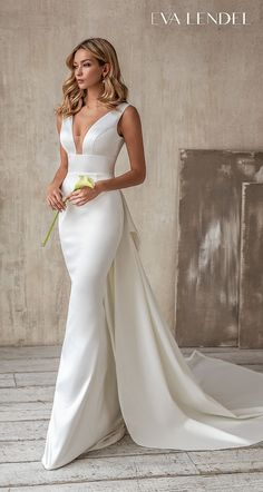 Classy Wedding Dress, Chic Wedding Dresses, Fit And Flare Wedding Dress, Crepe Wedding Dress, Minimalist Wedding Dresses, Bridal Dresses, Mermaid Dresses, Satin Wedding Gowns, Elegant Dresses For Wedding