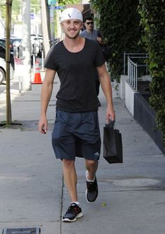 Tom Felton Photos Photos - 'Harry Potter' actor Tom Felton out shopping at Wicked Candles in West Hollywood, California on March 26, 2013. - Tom Felton Shops in Hollywood