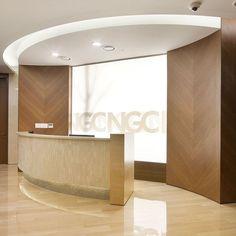 포트폴리오 Curved Reception Desk, Reception Desk Design, Clinic Design, Healthcare Design, Hotel Interiors, Office Interiors, Lobby Interior, Interior Architecture, Waiting Room Decor