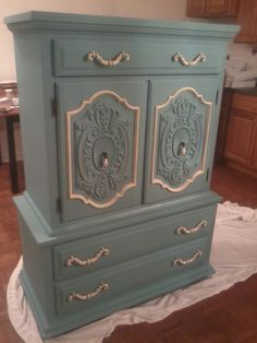 annie sloan provence | ... Dresser using Annie Sloan Chalk paint™ Provence with Cream...lovely