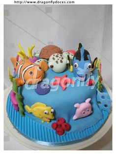 Nemo cake! this would be perfect for @Rebecca Stainback Knox birthday coming up!! :)