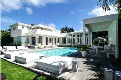 Shakira descuenta 2 millones de dólares del precio de su casa en Miami Beach