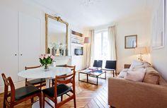 パリのマンション。朝食を美味しく頂けそうですね。