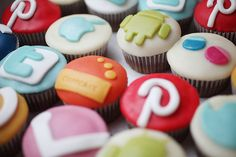 #254/365.2 - social cupcakes by Cuppcake