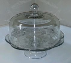 Anchor Hocking SAVANNAH CLEAR Covered Cake Plate With Dome EXCELLENT Condition!! Cake Plate With Dome, Cake Stand With Dome, Cake Stands, Vintage Dishes, Vintage China, Cake Cover, Kitchen Things, Anchor Hocking, Cake Plates