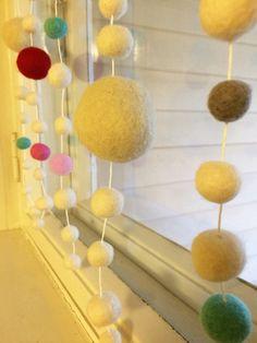 lasten | lapset | askartelu | joulu | käsityöt | kädentaidot | koti | idea | huopa | huovutus | pallo | koriste | DIY ideas | kids | children | crafts | christmas | felt | felting | ornament | home | Pikku Kakkonen
