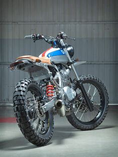 Kiddo Motors 1988 NX650 Dominator « Custom Bikes « DERESTRICTED