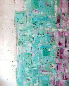 In My Studio... Painting // Wild - Tableau en trois parties, de l'écru aux puzzles vert et mauve.