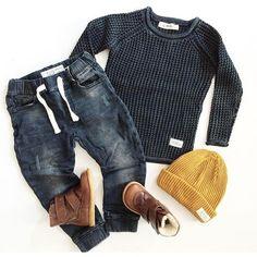 What an outfit I dig denim NEWS! @kleineskarussell  Stella knitted sweater, Ben Joggers & Zion beanie #idigdenim#news#aw#