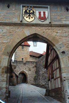 The Kobolzeller Tor ~ Rothenburg, Bavaria, Germany Medieval Village, Medieval Castle, Places To Travel, Places To See, Wonderful Places, Beautiful Places, Rothenburg Germany, Architecture Antique, Rothenburg Ob Der Tauber
