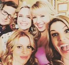 """Pin for Later: The Full House Cast Really Loves One Another in Real Life Lori: """"Fun morning with this crew! Full House Cast, Stephanie Tanner, Uncle Jesse, Laugh Track, Lori Loughlin, Candace Cameron Bure, First Day Of Work, Fuller House, Three Kids"""