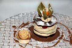 Millefoglie di cioccolata bianco e nero al fondente con mousse alla nocciola e lamponi freschi. #nonsolovino #ristorante #almese #nocciole #mousse #cioccolato #lamponi #dolce