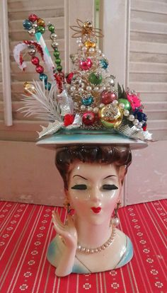 Dime Store Chic — Vintage Elegant Lady Head Vase with Christmas Cheer Christmas Past, Christmas Goodies, Christmas Projects, Christmas Holidays, Christmas Gifts, Christmas Decorations, Vintage Christmas Crafts, Retro Christmas, Xmas Crafts
