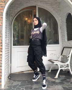 Casual Hijab Outfit, Ootd Hijab, Edgy Outfits, Grunge Outfits, Fashion Outfits, Modern Hijab Fashion, Muslim Fashion, Asian Fashion, Street Hijab Fashion