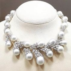 Fabulous @juaristijoyas !! #highjewelry #finejewelry #pearl #diamonds #art #beautiful #fabulous #gorgeous #instagram #instagood #inspiration #instadaily #instalike #instamood #instaabudhabi #dubaimall #dubai #dubailife #amazing #love #luxurylife #luxurylifestyle #luxury #luxurydesign #luxuryjewelry #luxurystyle #luxuryfashion #hautejoaillerie #jewelry #bestoftheday