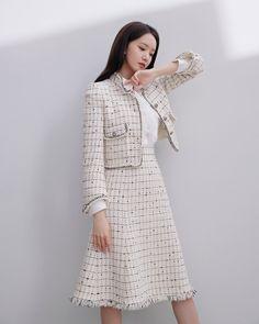 Mystarmyangel (@mystarmyangel) / Twitter Girls Fashion Clothes, Fashion Dresses, Estilo Coco Chanel, Spring Work Outfits, Korean Girl Fashion, Sooyoung, Yoona Snsd, Tweed Dress, Kpop Outfits