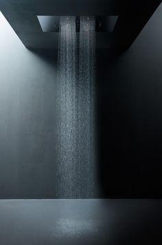 Aquaelite Rock shower system rainfall and mist spray