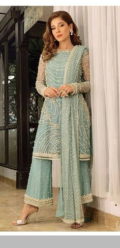 dresses to wear to a wedding suits celebrity Pakistani Fashion Party Wear, Pakistani Wedding Outfits, Pakistani Bridal Wear, Pakistani Wedding Dresses, Indian Fashion, Desi Wedding Dresses, Dresses To Wear To A Wedding, Party Wear Dresses, Wedding Suits