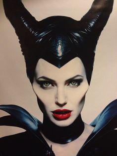 Contouring. Malificent. Angelina Jolie