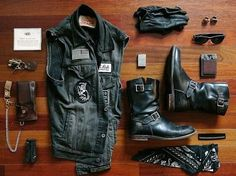 Look At These Men's Jackets. Find out some terrific men's fashion. With so much style for men to choose from nowadays, it can be a overwhelming encounter. Motorcycle Style, Motorcycle Outfit, Biker Style, Chopper Motorcycle, Greaser Style, Motorcycle Travel, Bobber Chopper, Motorcycle Accessories, Jacket Style