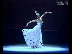 杨丽萍《孔雀舞》--peacock dance