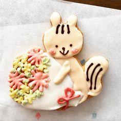 本日のおやつ。 アイシングクッキー♪ 全て自然の色素のみ使用。 素材が良いのはもちろん本当に美味しい!! 姪っ子達もお気に入り #リスボア#大阪土佐堀#アイシングクッキー#天然色素#クッキーが美味しい!