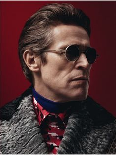 Prada Menswear F/W by David Sims ad campaign Prada Sunglasses, Round Sunglasses, Style Geek, Men's Style, Willem Dafoe, Aged To Perfection, Mens Glasses, Male Face, Autumn Fashion