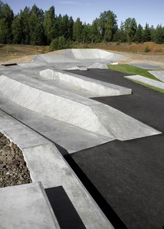 Hyttgardsparken / 42architects skate cemetno topografia