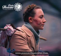 """Dans son film """"The Grand Budapest Hotel"""" Wes Anderson fait un clin d'œil au Mexique avec son personnage Agatha et sa tache de naissance, c'est mignon! Agatha, Wes Anderson, Budapest, Cinema, Movies, Movie Posters, Mexico, Bite Size, Persona"""