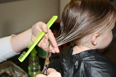 A tutorial with step by step photos showing how to cut girls hair in a simple bob with an undercut. - March 02 2019 at Toddler Haircuts, Girl Haircuts, Little Girl Hairstyles, One Hair, Hair Dos, Ponytail Hairstyles, Cool Hairstyles, Female Hairstyles, Natural Hairstyles