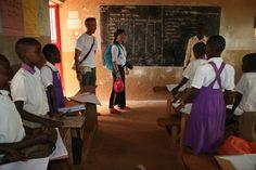 Volunteer abroad opportunities internships overseas volunteers alice edinger and keith russell in uganda bulenga at the community development program keith solutioingenieria Image collections