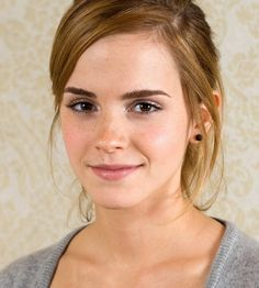 Emma Watson is an English actress and model.Her real name is Emma Charlotte Duerre Watson.She was born on 15 in Paris,France.She started her career at the age of 9 by appearing Emma Watson Wallpaper, Emma Watson Pics, Emily Watson, Anastasia, Pretty People, Beautiful People, Beautiful Women, Pulled Back Hairstyles, Celebs