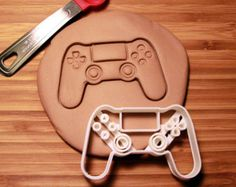 Controller Playstation 4 Video Game Cookie Cutter Made to order Control Playstation, Control Nintendo, Playstation Cake, Fondant Figures, Video Game Party, Video Games, Birthday Games, 10th Birthday, Birthday Ideas