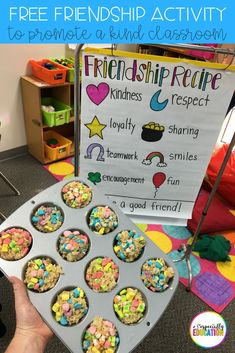 friendship treat activity to promote a kind classroom! Perfect activity for the first day of school! Ideal for preschool, kindergarten, first grade, and special education classrooms. Free recipe for a fun, hands-on social skills lesson. Preschool Social Skills, Social Emotional Activities, Emotions Activities, Social Skills Lessons, Friend Activities, Kindness Activities, First Day Of School Activities, Preschool Lessons, Kindergarten Activities