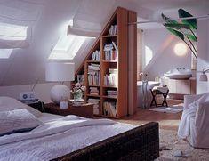 Regal Als Raumtrenner Auch Im Dachzimmer. Badezimmer, Einrichtungsideen  Schlafzimmer, Dachgeschoss Schlafzimmer, Schlafzimmer
