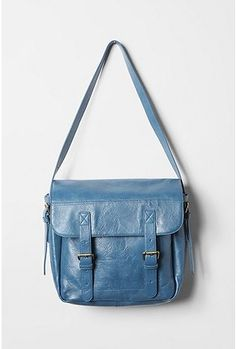 Perfect school bag/ work bag. I want it... it's sold out tho :( BDG Basic Messenger Bag