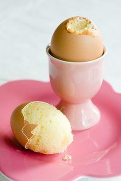 Kleine Küchlein in echten Eiern gebacken | Ostern DIY Rezept Essen Brunch Dekoration Snack Geschenk-Idee Kuchen backen