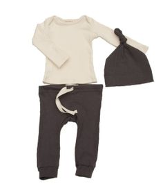 our drawstring leggings and elf/knot hat in soft grey, espresso, or chartreuse organic cotton and a cream long-sleeved lap tee. the perfect snuggly gift for a new baby.all of our organic cotton products are made ethically in the usa from start to finish, from the cotton, through the custom low-impact dying and finally to the sewn garment.available in 3m, 6m, 12m, 18m, 2/3100�0organic cottonmade in usa