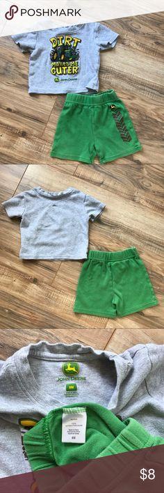 John Deere 9 month boys short set. 💗 In GUC John Deere Matching Sets