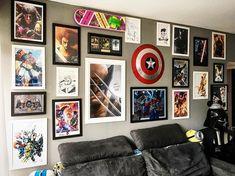 Nada como uma arte bem bacana na parede, não acha? Nós começamos a trabalhar com pôsteres oficiais e também recebemos to...