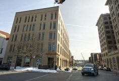Wells Fargo building on Easton's Centre Square nears sale  The historic Easton National Bank & Trust Co. building on Easton's Centre Square may soon have a new owner.  http://www.mcall.com/news/local/easton/mc-easton-wells-fargo-building-20150225-story.html