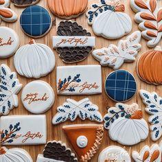 Thanksgiving cookies with navy plaid details! Thanksgiving Cookies, Fall Cookies, Cute Cookies, Summer Cookies, Heart Cookies, Christmas Cookies, Iced Sugar Cookies, Royal Icing Cookies, Halloween Baking