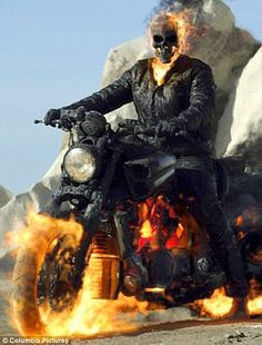 New images from Neveldine/Taylor's Ghost Rider: Spirit of Vengeance starring Nicolas Cage and Idris Elba. Ghost Rider 2, Ghost Rider Marvel, Ghost Rider Wallpaper, Marvel Wallpaper, Wallpaper Desktop, Custom Wallpaper, Spirit Of Vengeance, Fire Demon, Best Comic Books
