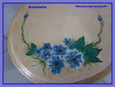 PÁTINA em porta vaso e pintado flores a mão feito por  (Bruna Talon)